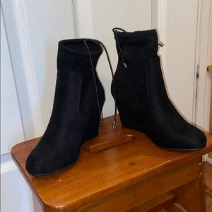 Black Chinese Laundry Wedge Ankle Boots